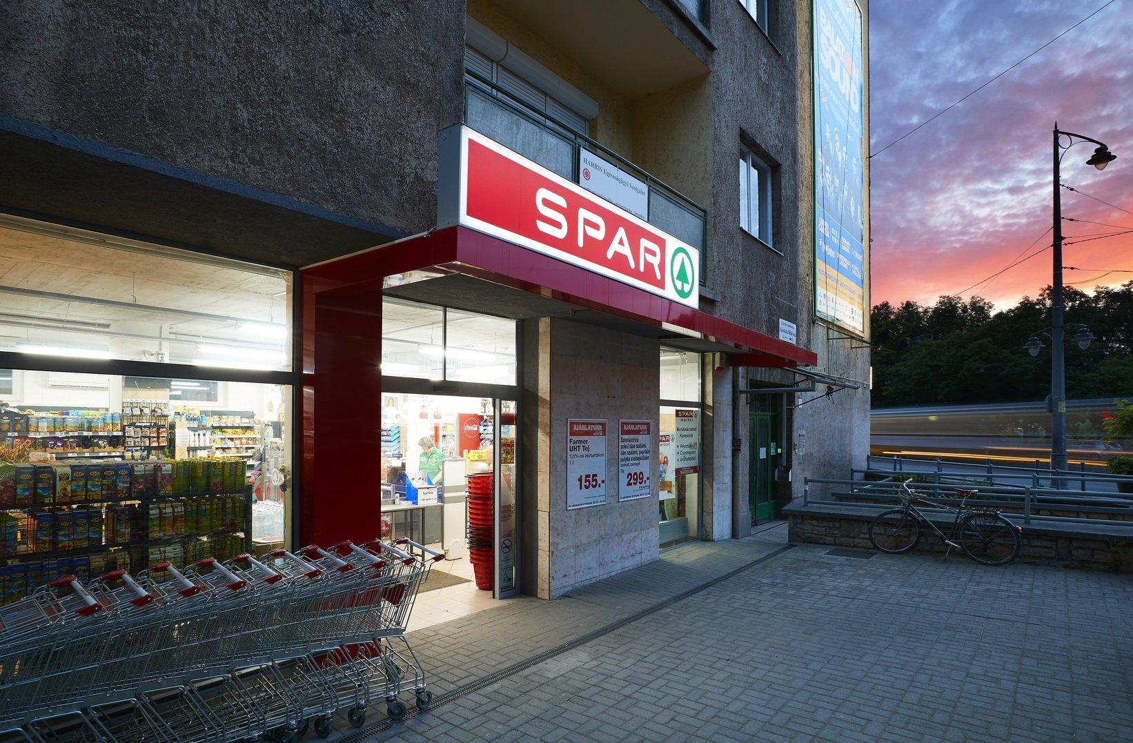 SPAR market