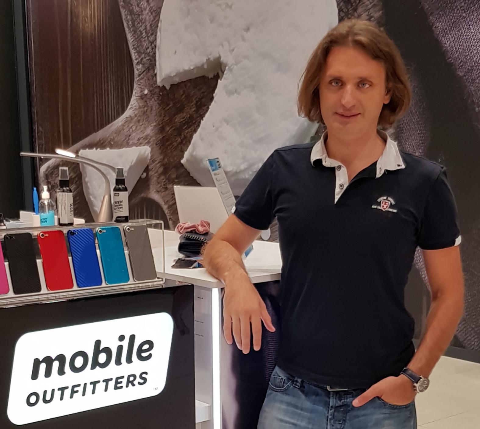 Bogi Cvetković, Mobile Outfitters