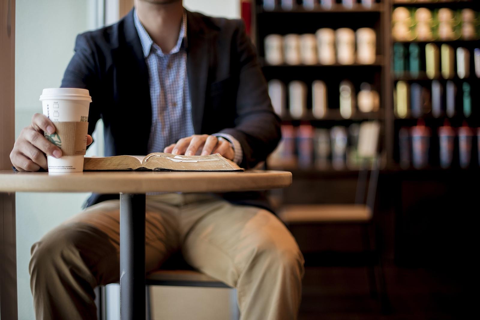 Partner koji vodi 900 Starbucks kafeterija