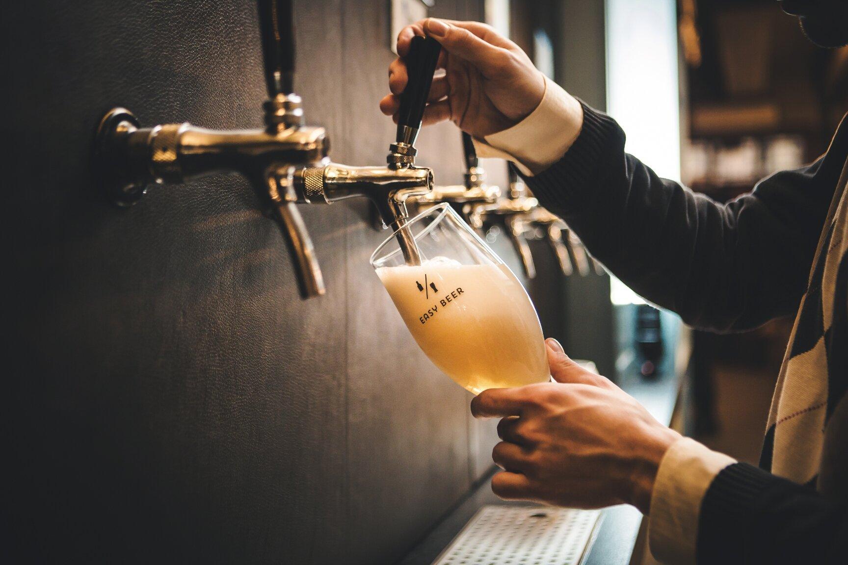 Easy Beer önkiszolgáló sör- és italbár