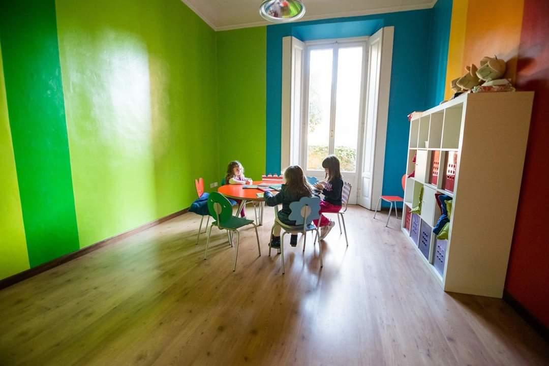 La scuola di via Solari a Milano