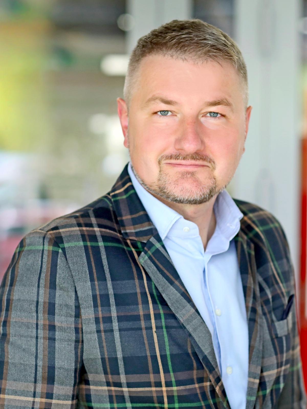 Piotr Przedlacki, predsjednik odbora Finesa