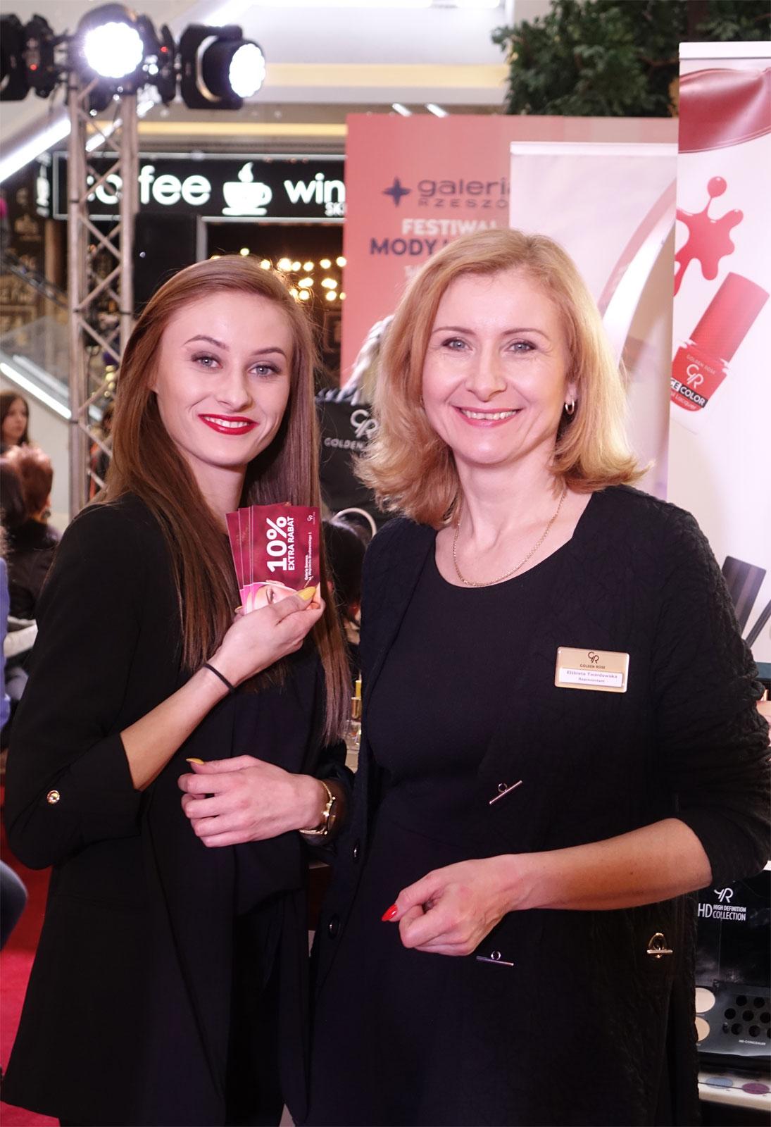 Elżbieta Twardowska (z prawej), franczyzobiorczyni Golden Rose