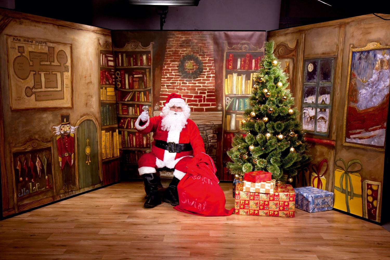 Mikołaj w domu i w galerii