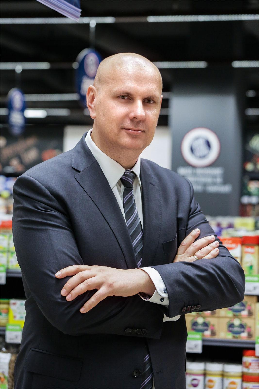 Wojciech Sypień, dyrektor regionalny Carrefour Polska, odpowiedzialny  za rozwój supermarketów franczyzowych