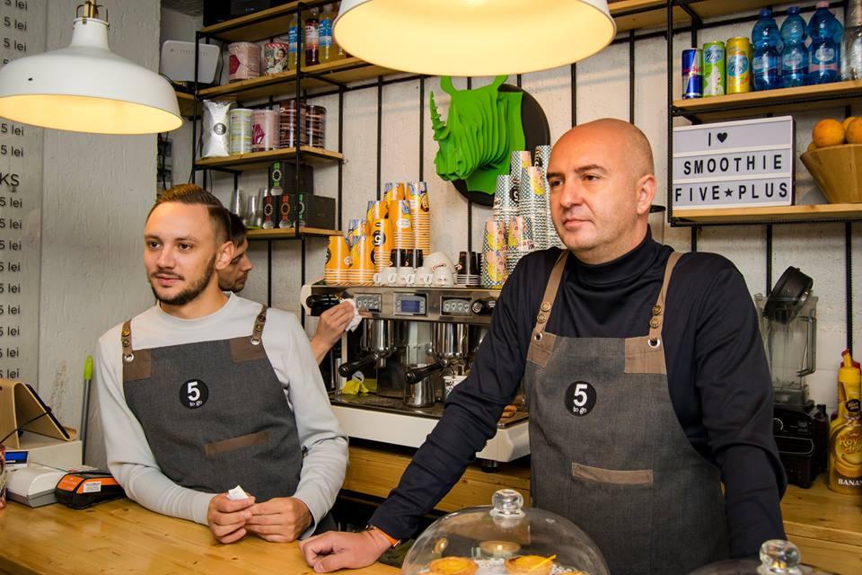 Radu Savopol și Lucian Bădilă, fondatorii 5 to go