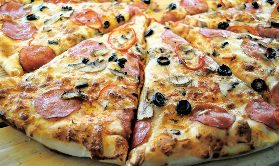 De la Pizza Clasică până la Pizza Grande