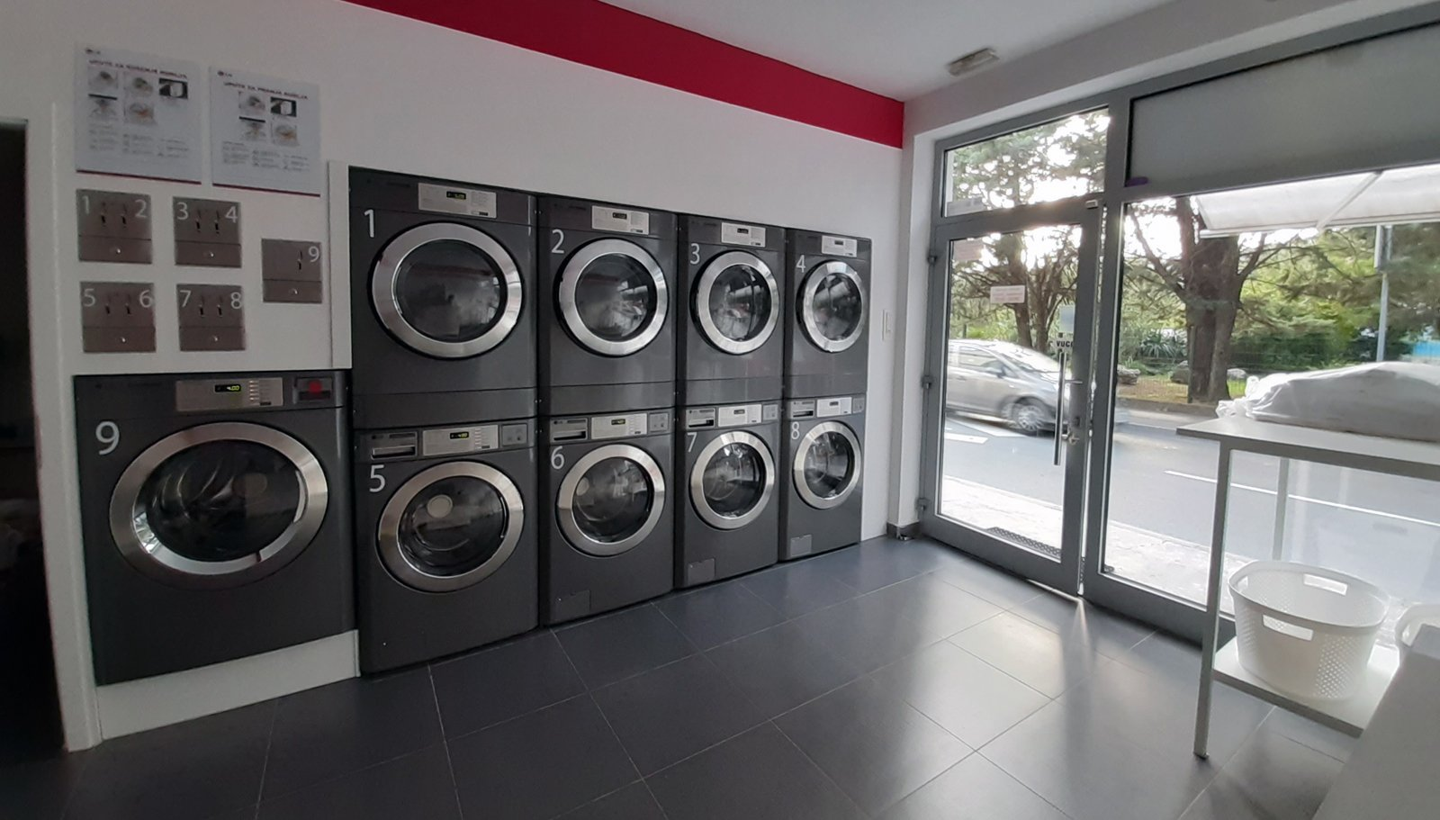 Spălătorie LG Laundry Lounge
